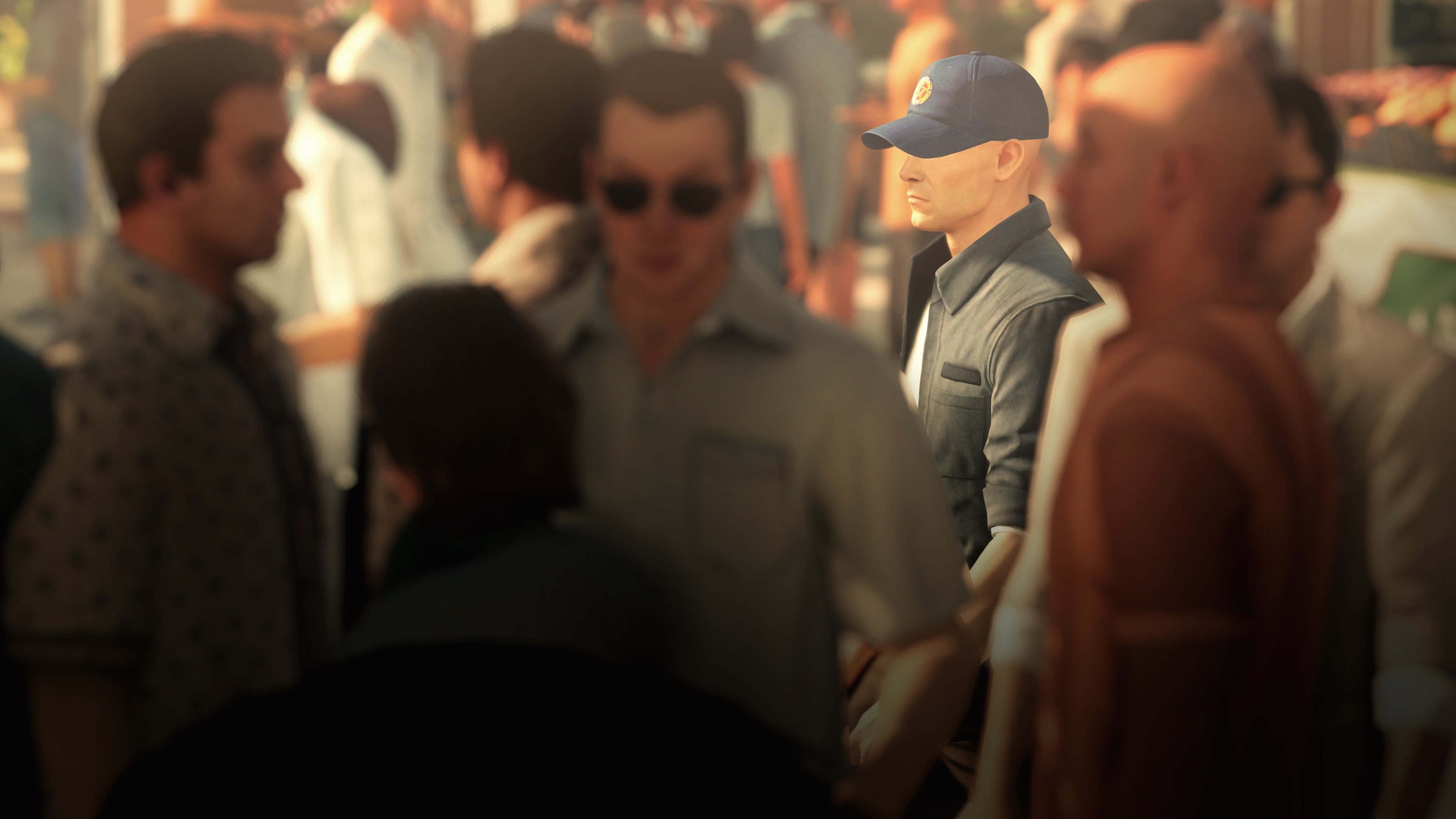Hitman 2 gameplay - crowd